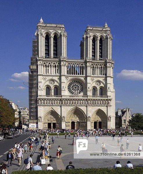 Notre Dame  Paris  France  Europe