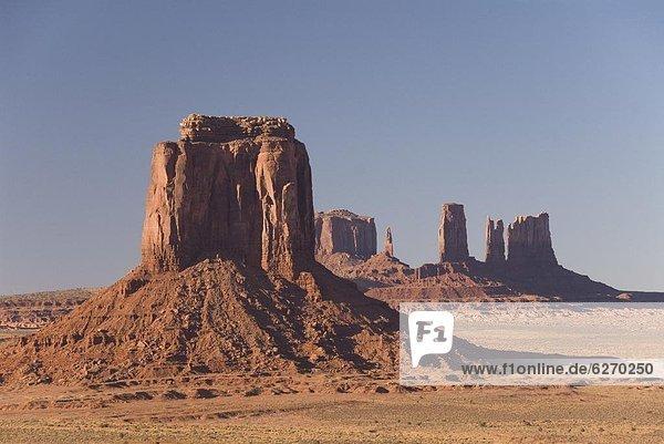 Vereinigte Staaten von Amerika  USA  Tal  dramatisch  Monument  Nordamerika  Arizona  Volksstamm  Stamm  Felssäule  Navajo