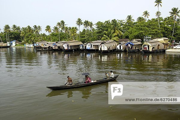 vertäut  Hausboot  Indien  Kerala