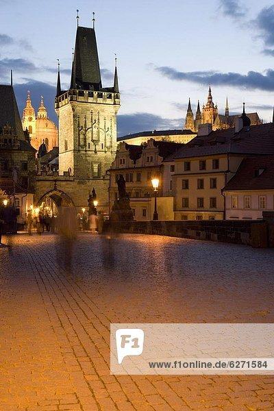 Prag  Hauptstadt  Europa  Tschechische Republik  Tschechien  entfernt