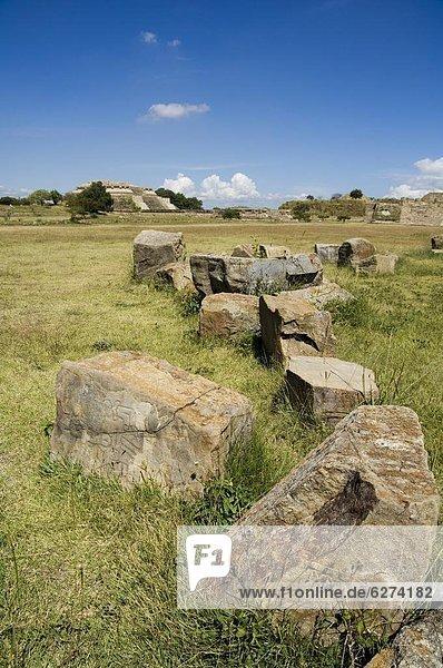 Die alten Zapoteken Stadt von Monte Alban  in der Nähe von Oaxaca City  Oaxaca  Mexiko  Nordamerika