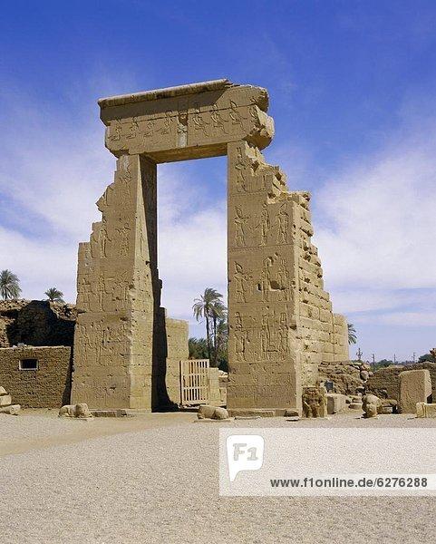 Tempel von Hathor  Dendera  Ägypten  Nordafrika  Afrika