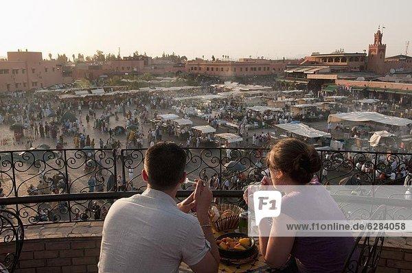 Djemaa el Fna Platz  Marrakesch  Marokko  Nordafrika  Afrika