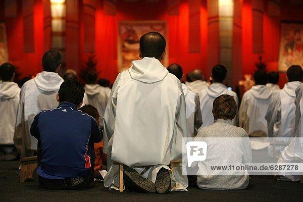 Gebet in Taizé-treffen  Genf  Schweiz  Europa