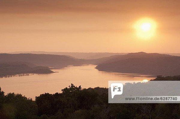Sonnenuntergang  über  See  Mittelamerika  Ansicht  Guatemala
