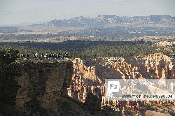 Vereinigte Staaten von Amerika  USA  über  Tourist  Nordamerika  hinaussehen  Bryce Canyon Nationalpark  Schlucht  Utah