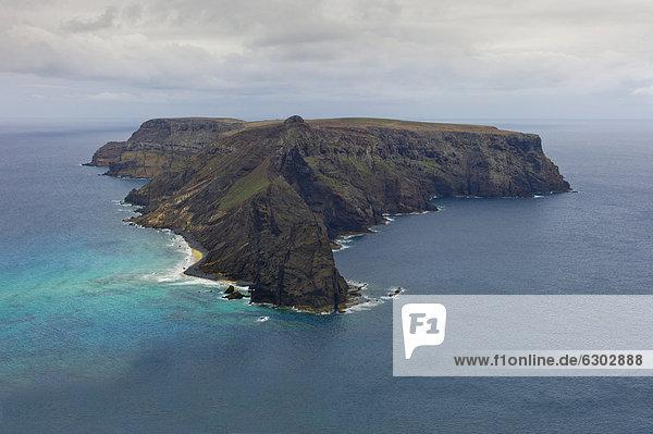 IlhÈu da Cal  oder IlhÈu de Baixo  unbewohnte Insel vor Porto Santo  Madeira  Portugal  Europa