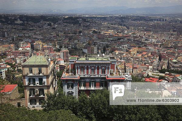 Blick auf Neapel  Kampanien  Italien  Europa