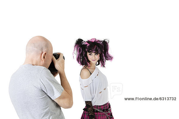 Senior Senioren über Modell weiß Hintergrund Fotograf schießen Mode