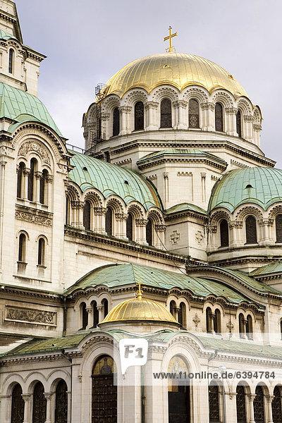 Die Alexander-Newski-Kathedrale  das Wahrzeichen der bulgarischen Hauptstadt  gebaut 1896-1912 vom russischen Architekten Alexander Nikolajetwitsch Pomerantsew  Sofia  Bulgarien  Europa