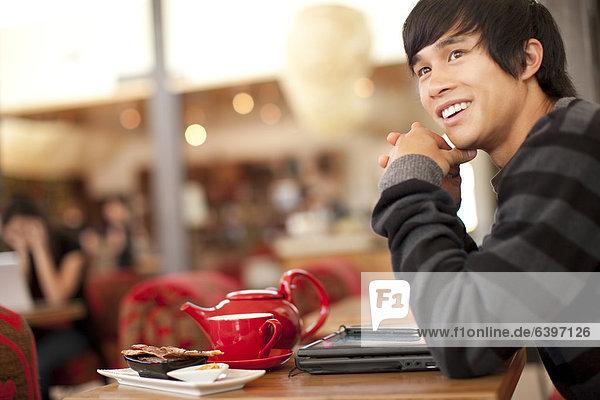 Mann  lächeln  Cafe  mischen  Mixed