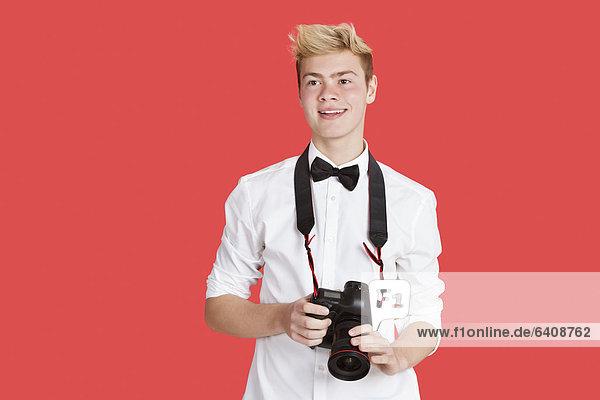 Mann  über  Hintergrund  rot  jung  Attraktivität