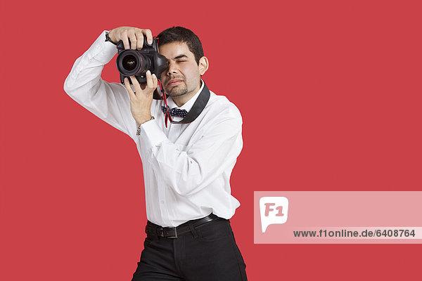 Mann  Fotografie  nehmen  über  Hintergrund  mischen  rot  Mixed