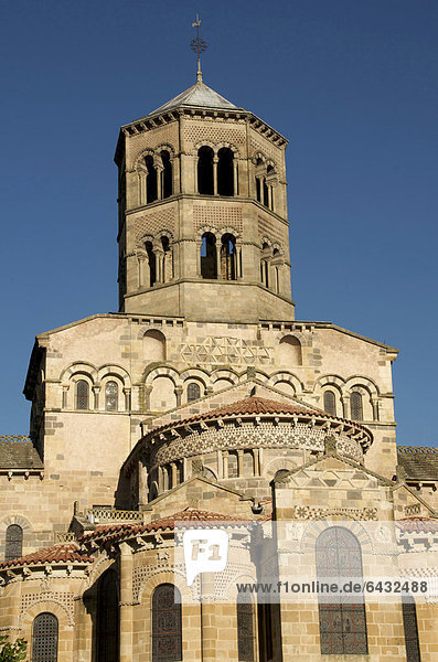 Romanische Benediktinerabtei Abbatiale Saint-Austremoine díIssoire  geschmückte Kirche  Issoire  Puy-de-Dome  Auvergne  Frankreich  Europa