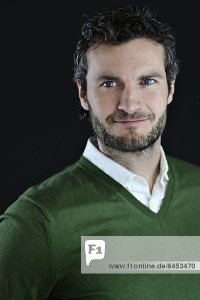 Porträt eines gutaussehenden reifen Mannes