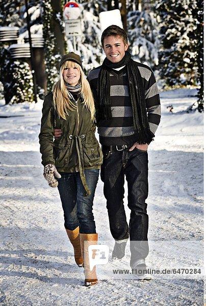 Paar im Winter *** Local Caption ***