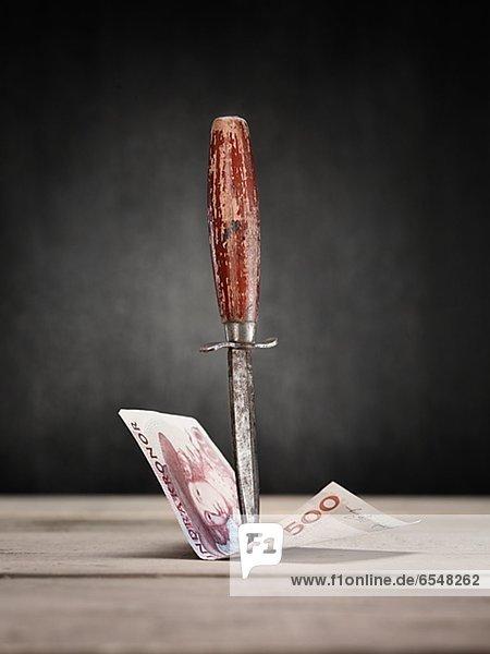 Geldschein  Messer  schlagen  alt