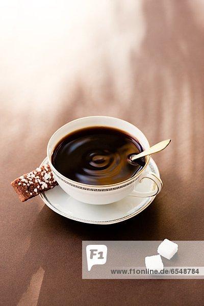 hoch  oben  schwarz  Ansicht  Flachwinkelansicht  Kaffee  Winkel  Keks