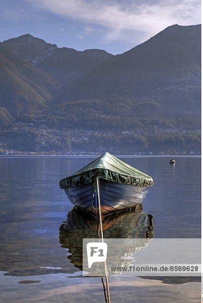 Segelboot auf dem Lago Maggiore