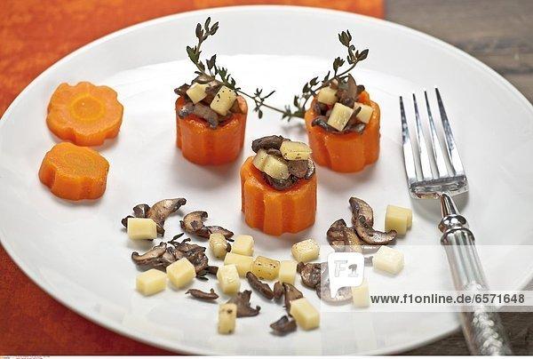 Karotten mit einer KŠse-Pilz-FŸllung