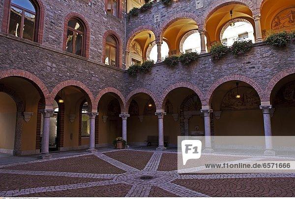 Kirche Collegiata in Bellinzona  Tessin  Schweiz