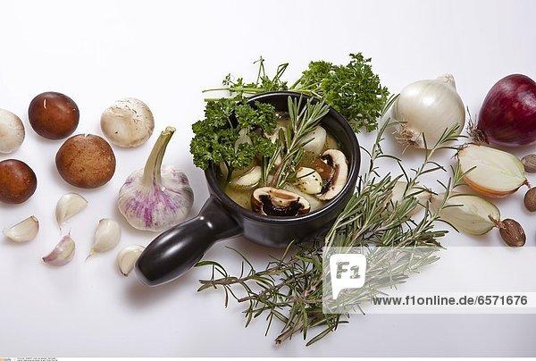 Zubereitung und Zutaten fŸr eine frische Lauch-Zwiebel-Suppe