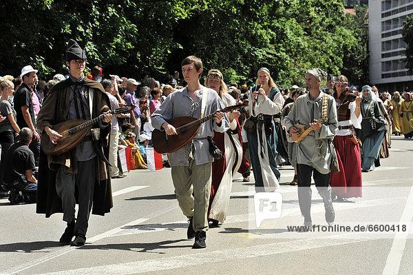 Stauferzug parade  participants  Staufer Saga  08.07.2012  850th anniversary of Gmuend  Schwaebisch Gmuend  Baden-Wuerttemberg  Germany  Europe