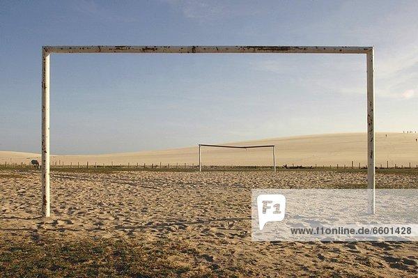 Spielfeld  Sportfeld  Sportfelder  leer  Strand  Football