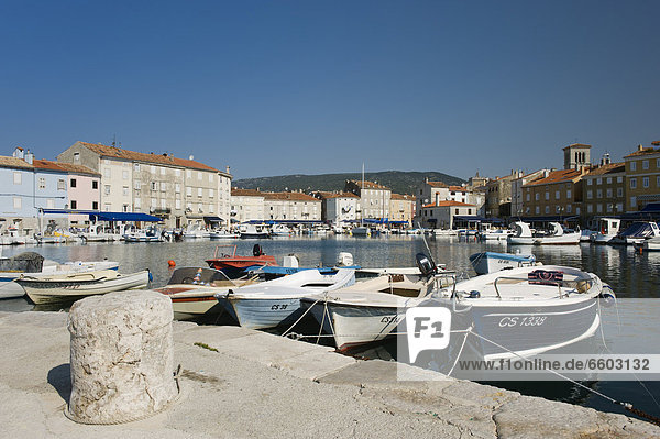 Boats in the harbour of the town of Cres  Cres Island  Adriatic Sea  Kvarner Gulf  Croatia  Europe