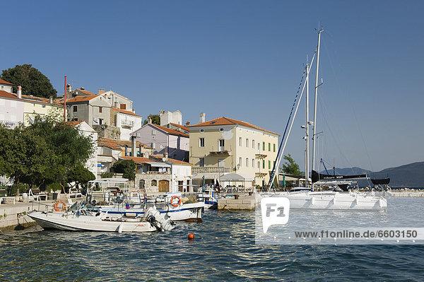 Europa Boot Dorf angeln Adriatisches Meer Adria Kroatien