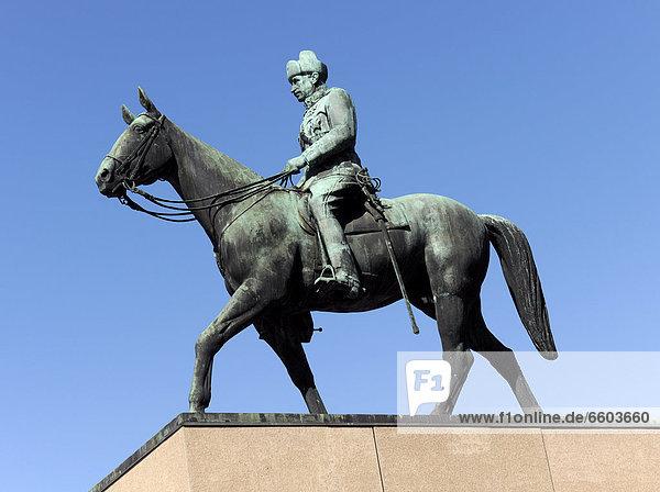 Carl Gustaf Emil Mannerheim Denkmal in Helsinki  Finnland  Europa