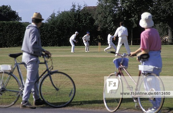 Mensch  sehen  Menschen  Spiel  Fahrrad  Rad  Kricket