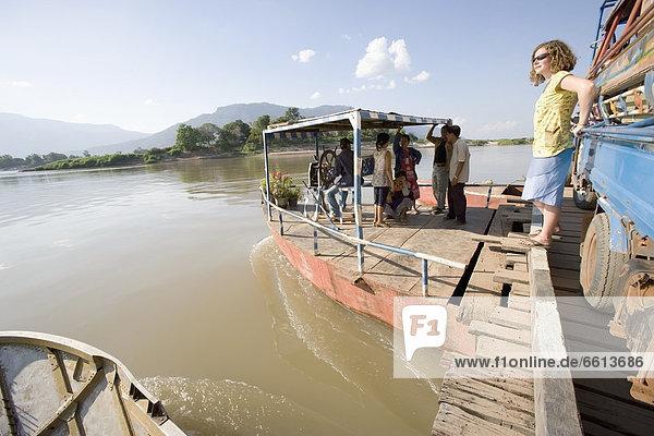 Tourist Fluss Fähre