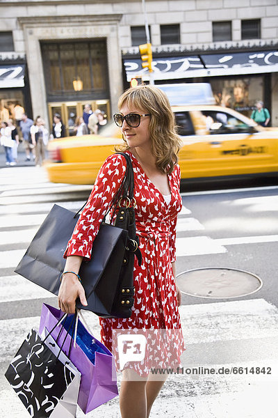 Girl shopping on Fifth Avenue