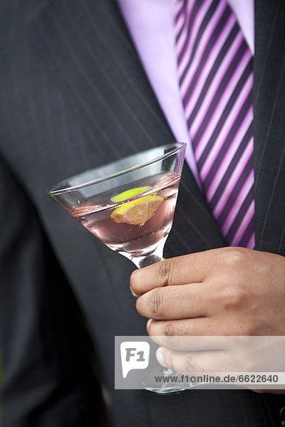 Mann  halten  pink  Martini