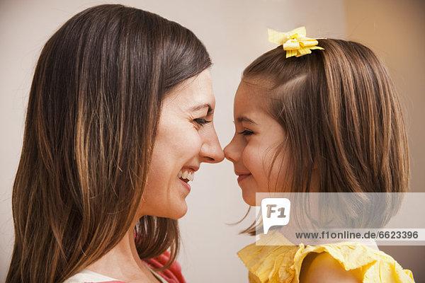 Europäer  lächeln  Tochter  Mutter - Mensch