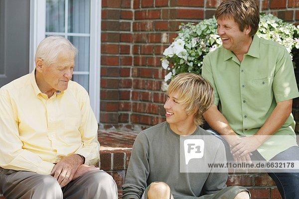 Senior  Senioren  teilen  Weisheit