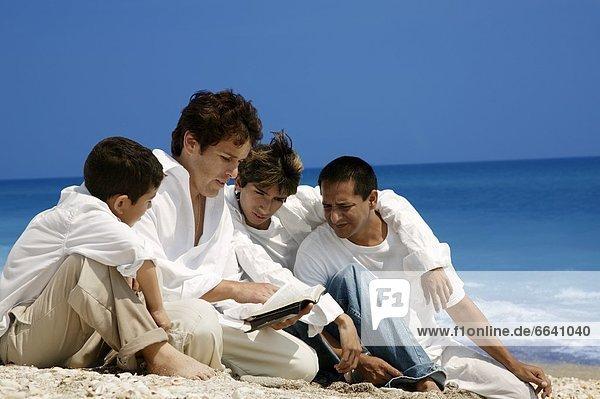 Strand  Bibel  Studium