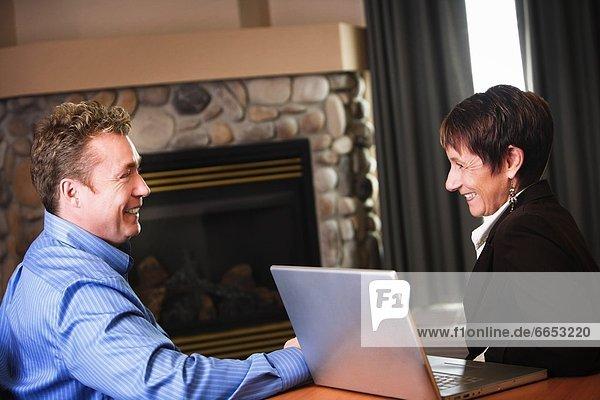 Computer  Mensch  Menschen  Geschäftsbesprechung  Besuch  Treffen  trifft  Business