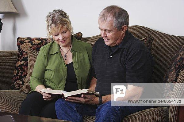 Paar Lesung zusammen