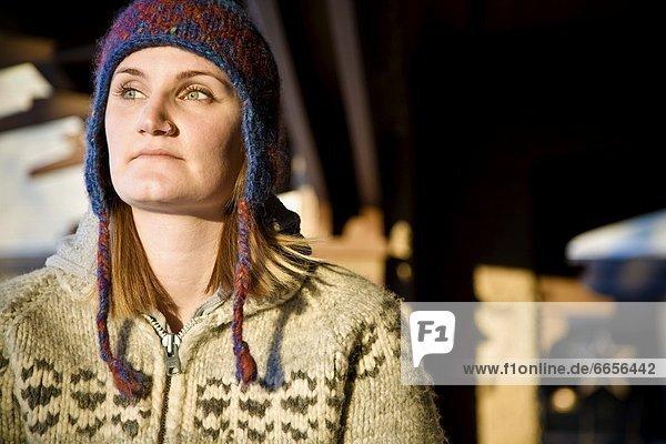 Frau  Pullover  Kleidung  Mütze