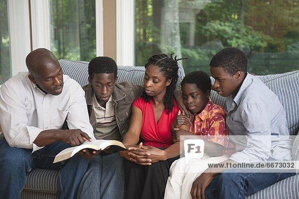 Bibel  Christ  vorlesen