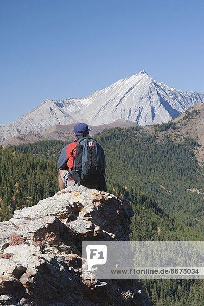 sitzend  Berg  Mann  hoch  oben