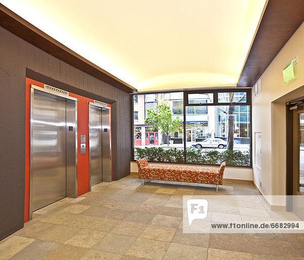 Eingangshalle  Gebäude  Büro  modern