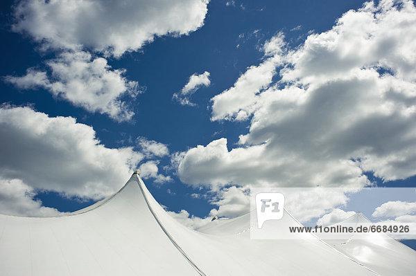 Wolke  Himmel  weiß  hoch  oben  Zelt