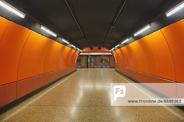 Unterführung  Metro