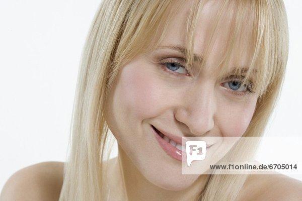 Frau  lächeln  Menschliche Schulter  Schultern