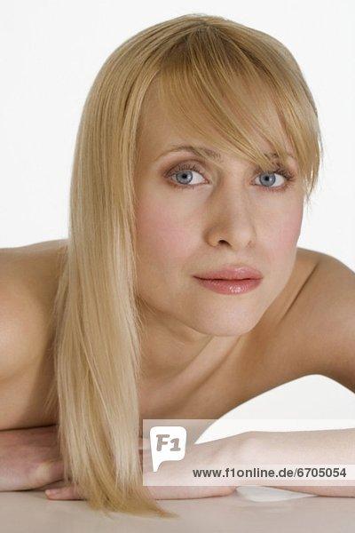 blond  Frau  blicken