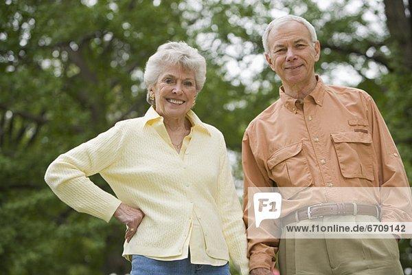 Außenaufnahme  Senior  Senioren  Portrait  freie Natur