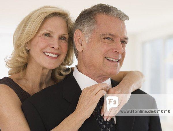Senior  Senioren  Frau  berichtigen  Krawatte